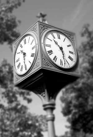 Utica Square Clock